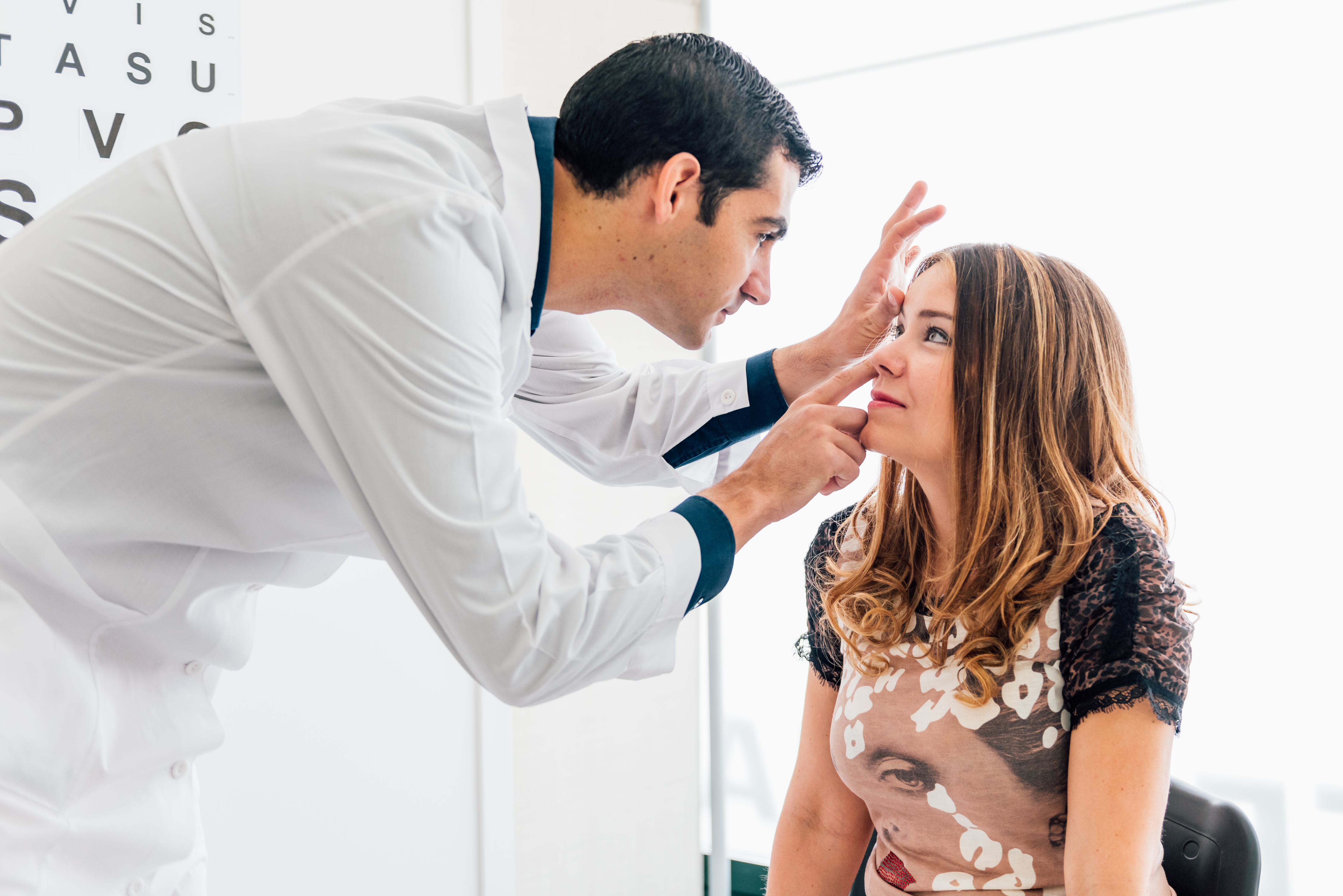 Anterior Uveitis: Symptoms, Causes & Diagnosis