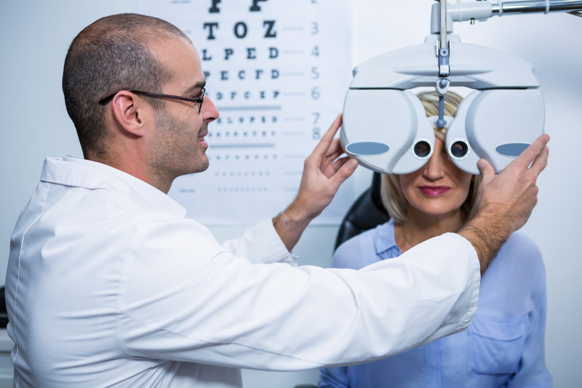 How Are Ophthalmologists Different From Optometrists And Opticians?